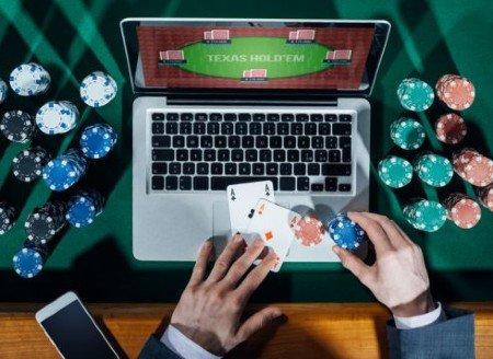 အွန်လိုင်း Poker